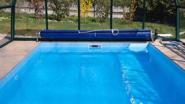 Comment protéger votre piscine des impuretés extérieure ?