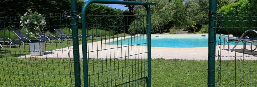 Sécurité des enfants : installer une barrière de piscine